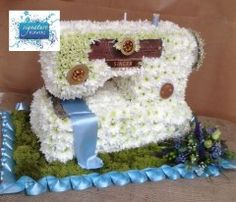 Bespoke Funeral Piece  Sewing Machine  (c) Emma Newman ICSF  www.signature-flowers.co.uk
