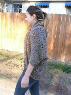 Super easy shrug in an interesting x-stitch and double crochet pattern. Sleeves and opening are finished with single crochet rows and reverse single crochet. Instructions for x-stitch and reverse single crochet included. Crochet Stitches, Crochet Hooks, Knit Crochet, Crochet Patterns, Crochet Shrugs, Ravelry Crochet, Sweater Patterns, Shrug Cardigan, Crochet Cardigan