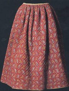 Jupon piqué rouge à palmettes cachemire,  Provence, vers 1840-1865 MISE, inv.. 980.675.1