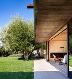 http://www.stevenharrisarchitects.com/projects/Napa-Valley-House   photo by Scott Frances