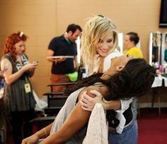 Omg I love this Santana/Brittany