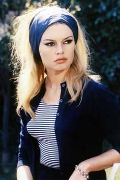 Brigitte Bardot - an iconic bombshell French woman! | How to Master the Casual French Chic Style