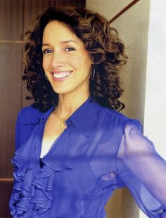 In Japan promoting the L Word (2008) - 20082t - Jennifer-Beals.com