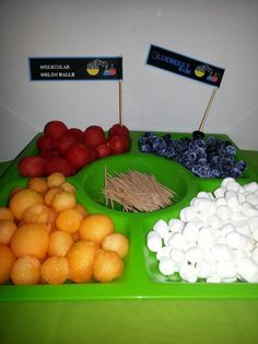 Make a molecule lab for science party
