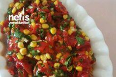 Kırmızı Biber Salatası Tarifi nasıl yapılır? 1.049 kişinin defterindeki bu tarifin resimli anlatımı ve deneyenlerin fotoğrafları burada. Yazar: Gönül Duran