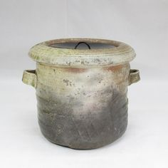 TYPE : Mizusashi (water jug for tea ceremony). Iga-yaki is pottery and stoneware made in Iga area, Japan. Iga area isMie Prefecture. The kiln and local pottery tradition has a very long history. It is one of the oldest pottery ware in Japan. | eBay!