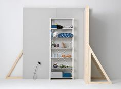 Less is more. Store your favourite stuff and your books in this beautiful simple shelf. You´ll find the shelf in various colours and sizes.