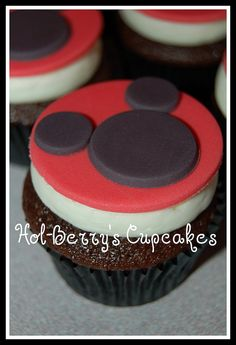 Mickey Mouse Cupcakes by Hol-Berry's Cupcakes, via Flickr