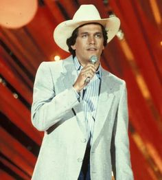 """George Strait in 1983 ACM awards performing """"Amarillo By Morning"""" Country Musicians, Country Music Artists, Country Music Stars, Country Singers, Young George Strait, George Strait Family, Chris Young, Country Men, Army Veteran"""