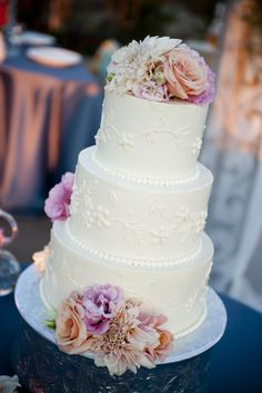 I like the simplicity of this cake - but also like how color is added with the flowers Our Wedding, Dream Wedding, Cupcake Cakes, Cupcakes, Blush Weddings, Wedding Inspiration, Wedding Ideas, Pretty Cakes, Holiday Recipes