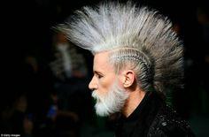 .Moda Alternativa - Moda de Subculturas.: Punk no desfile de Jean Paul Gaultier