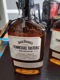 Cigars And Whiskey, Bourbon Whiskey, Whisky, Whiskey Bottle, Jack Daniel's Tennessee Whiskey, Best Bourbons, Alcohol Bottles, Bourbon Drinks, Spiritus