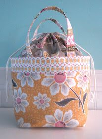cute lunch bag or for anything bag... with drawstring pouch top and handles... measure about 9x11 when complete... Bee In My Bonnet:  Tutorial HERE: http://ayumills.blogspot.com/2010/08/tutorial-lunch-bag.html