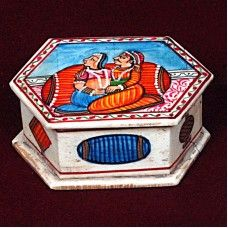 Bone Made Box With Traditional Design will take you to the conventional Indian artwork. The distinctive box is made from bone, and has traditional hand painted designs over the top surface. It looks fascinating. Note: This is Handcraft Item so each item will be different than other due to limitation of photography