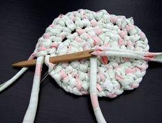 20120114-toothbrush-rug-making3