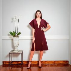So in love with this burgundy midi dress by @anthe_collection