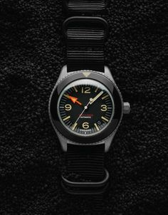 Undone offers high-quality personalized and customized timepieces for lovers of classic tool watches. Their latest offering is this gorgeous sandblast version of their popular Basecamp watch. Rolex Explorer Ii, Wear Watch, Stylish Jackets, Time Design, Watch Companies, Automatic Watch, Seiko, Watches For Men, Classic