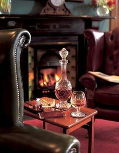 Gentleman Style 449374869054905003 - Waiting for U… quietly enjoying some good old whiskey… in my favourite leather wing chair, in the library ! English Country Manor, English Style, Bandeja Bar, Whiskey Room, Oldest Whiskey, Home Bar Decor, Cigar Room, Old Chairs, Wing Chairs