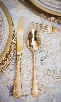 White and Gold Wedding. Downton Abbey Wedding Inspiration at The French Estate Gold Wedding Theme, Wedding Table, Parisian Wedding, Wedding Decor, Wedding Reception, Dream Wedding, Beauty And The Beast Theme, Beauty And The Beast Wedding Dresses, Beauty Beast