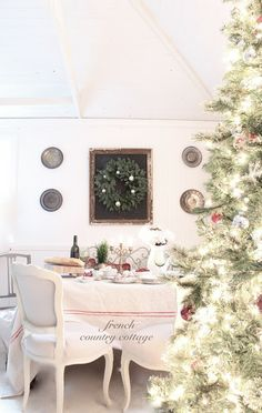 FRENCH COUNTRY COTTAGE: A Little Dining Room