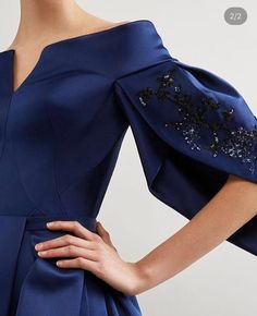 Ideas For Embroidery Dress Blue Haute Couture Look Fashion, Fashion Details, High Fashion, Womens Fashion, Fashion Design, Fashion Trends, Elegant Dresses, Beautiful Dresses, Couture Dresses