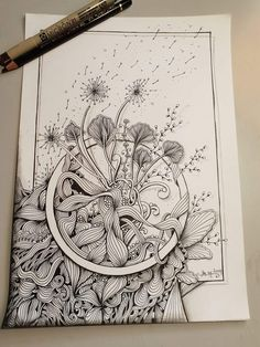 Gorgeous black and white zentangle patterns interwoven with a circular frame. Doodles Zentangles, Zentangle Drawings, Zentangle Patterns, Art Drawings, Zen Doodle Patterns, Mandala Art, Mandala Doodle, Doodle Art, Art Floral
