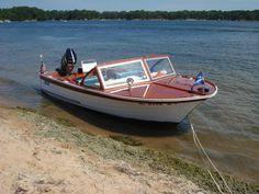 This looks like the same boat I inherited from my dad. I love it but it needs some TLC. Which it will get soon, I hope. Speed Boats, Power Boats, Lyman Boats, Boat Restoration, Classic Wooden Boats, Boat Engine, Vintage Boats, Old Boats, Sport Fishing
