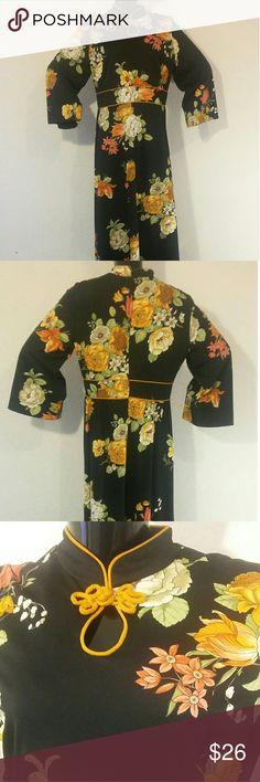 Vintage floral Asian 60's Maxi Dress Vintage Floral Maxi dress measurement underarm  to underarm 18 inches, Waist 35 inches, length 55 inches. Dresses Maxi