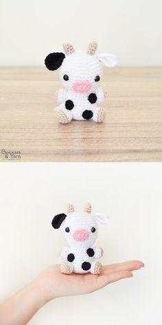 Crochet Patter - Cow - Amigurumi Crochet Cow, Crochet Hooks, Free Crochet, Cube Pattern, Pattern Making, Double Crochet, Single Crochet, Cute Cows, Sport Weight Yarn