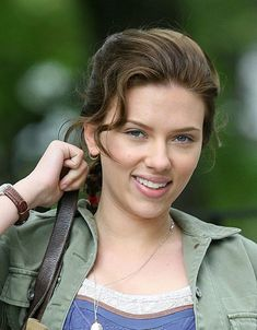 20 Scarlett Johansson hairstyles. #scarlettjohansson #scarlett #celebrities #fashion