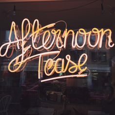 baby-gloom: found a cafe with the best sign