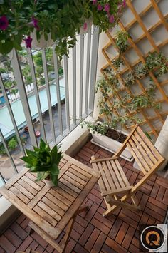 Small Outdoor Patio - 1 thing which many men and women really like to have is a wonderful apartment balcony design. You may think that you will need a huge space for trying a balcony design, however this is not completely required. Small Balcony Design, Small Balcony Garden, Small Balcony Decor, Patio Design, Small Balconies, Garden Design, Balcony House, Balcony Gardening, Narrow Balcony