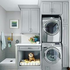 """230 Likes, 6 Comments - Arquitetura, Decoração, Design (@construindominhacasaclean) on Instagram: """"Aquela lavanderia compacta, mas que tem espaço para o pet 😍💓😍💓 Veja + no blog…"""""""