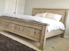 Betteinander Rustikales / Bauernhaus Kingsize-Bett - Finish Marjoram: The Herb of Happiness Article King Farmhouse Bed, Rustic Farmhouse, Rustic Wood, Farmhouse Bench, Rustic Bench, Rustic Cottage, Rustic Baby, Rustic Shelves, Rustic Theme