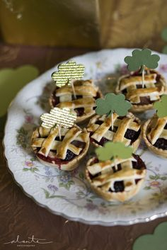 Mini Pies at a St. Patrick's Day Party #stpatricksday #minipies