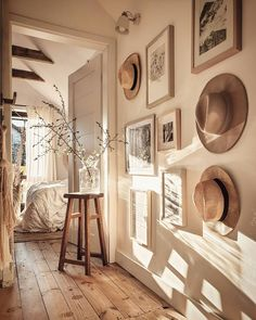"""Marzena Marideko on Instagram: """"💛sunday mood💛 Dzień dobry, dzień dobry. Niech każdy poranek zaczaruje Wam słońce, a ja ide czarować dekoracje.  Pięknego dnia dla Was…"""" Apartment Furniture, Furniture Projects, Cool Furniture, Sweet Home Design, Home Furniture Online, Contemporary Home Furniture, Home Decor Kitchen, Bohemian Decor, Hygge"""