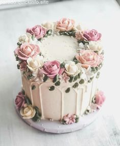 cake pictures # pictures # cake cupcakes recipe cake re . Pretty Cakes, Cute Cakes, Beautiful Cakes, Amazing Cakes, Bolo Drip Cake, Drip Cakes, Buttercream Flower Cake, Buttercream Birthday Cake, Buttercream Cake Decorating