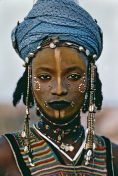 wowowow Wodaabe boy from Niger Photography by: Steve McCurry