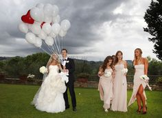 Unforgettable Moments: Balloon Releases,  www.perfectweddingitaly, Wedding in Italy, Destination Weddings, email: info@cometosee.it