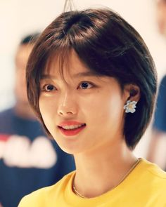 hairstyles for long hair videos Short Hair Styles For Round Faces, Hairstyles For Round Faces, Medium Hair Styles, Long Hair Styles, Haircuts For Long Hair, Girl Haircuts, Girl Short Hair, Short Hair Cuts, Korean Short Hair