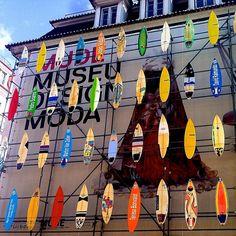 Creative manier om een verbouwing te verbergen. Lissabon, Portugal