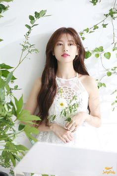 Young Actresses, Korean Actresses, Asian Actors, Korean Actors, Jung So Min, Baek Seung Jo, Korean Drama Series, Playful Kiss, Han Hyo Joo