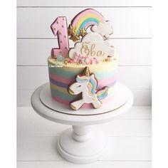 689 vind-ik-leuks, 9 reacties - ⠀⠀⠀⠀⠀⠀⠀⠀Елена Власова (@elena_vlasova_cakes) op Instagram: 'Еще один единорог в мою копилку __________________________________ #cake #cakes #cupcake…'