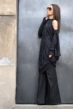 Items similar to Oversize Black Loose Casual Top / Sexy Shoulder Cut / Asymmetric Raglan Long Sleeveless / Maxi Blouse on Etsy Unique Outfits, Unique Dresses, Casual Outfits, Black Vest, Black Maxi, Loose Shirts, Loose Tops, Shoulder Cut, Hippie Outfits