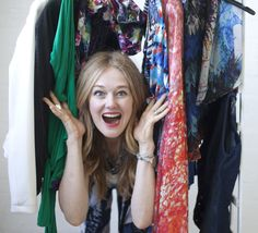 Capsule wardrobe for women over 40 - how to de-clutter your closet Image Makeover, Tracy Gold, Gold Fashion, Fashion Tips, Clutter, Capsule Wardrobe, Kimono Top, Youtube, Closet