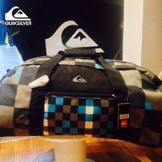 Todo listo para el viaje de mitad de año y tú ¿ya tienes tu #Maleta?  #Quiksilver #Colombia #Viajes