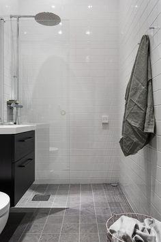 Birger Jarlsgatan 106 B Bathroom Renos, Grey Bathrooms, Laundry In Bathroom, Bathroom Interior, Master Bathroom, Bathroom Inspo, Simple Bathroom, Bathroom Inspiration, Bathroom Remodel Pictures