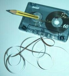 Cassette with ribbon salad and pencil - Cassette with ribbon salad and pencil Informations About Kassette mit Bandsalat und Bleistift Pin Yo - Childhood Memories Quotes, 90s Childhood, Sweet Memories, Good Old Times, The Good Old Days, Foto Picture, 90s Nostalgia, Ol Days, Retro Vintage
