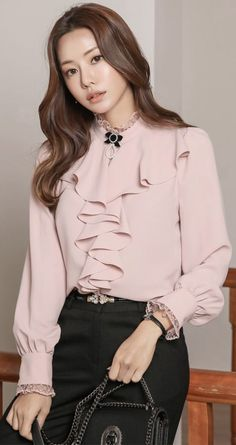 StyleOnme_Lace Trim Ruffle Puff Sleeve Blouse Source by Blouses Look Fashion, Hijab Fashion, Fashion Dresses, Feminine Fashion, 50 Fashion, Fashion Styles, Womens Fashion, Blouse Styles, Blouse Designs