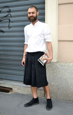 men in skirts : Photo